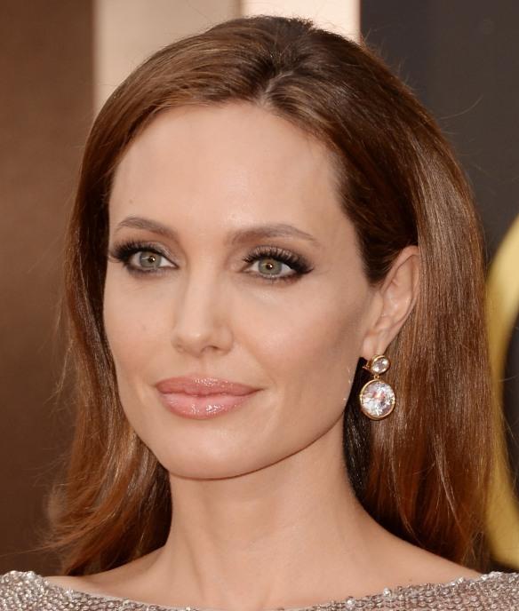 Anelina Jolie